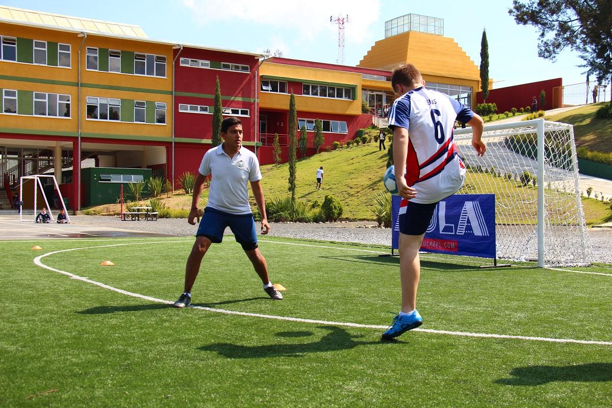El segundo torneo interescolar de futbol tenis llegó al Colegio Internacional SEK