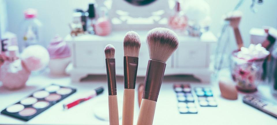 Cuáles son los usos de las brochas de make up