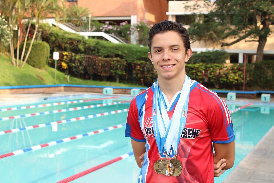 Gunther Jerez, el joven nadador que ganó en los Juegos Centroamericanos entre Colegios Alemanes