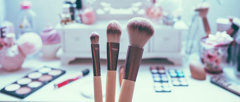 Decile adiós a tu grano con makeup