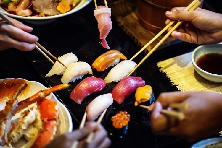 ¡Adiós a los rollos! Estas son las formas de sushi menos tradicionales