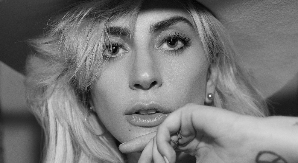 Lady Gaga tendrá su propia línea de maquillaje