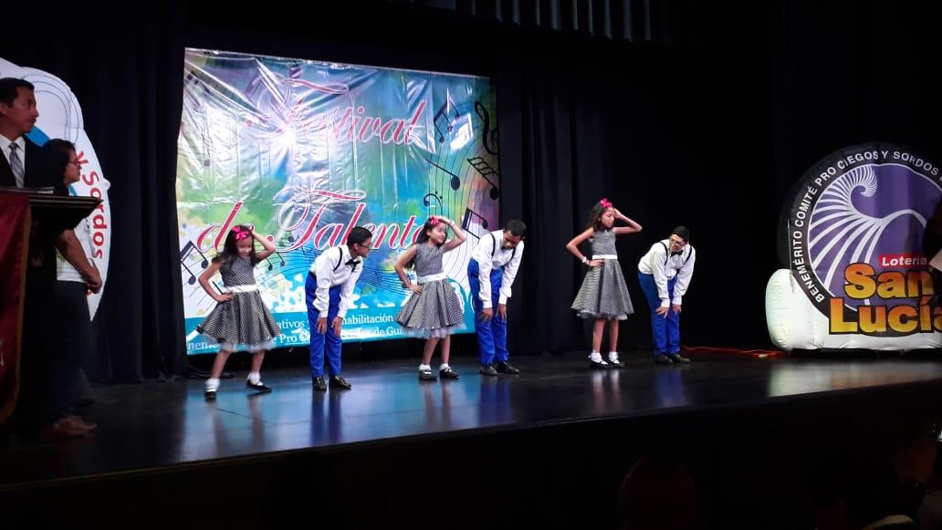 Jóvenes talentos artísticos del Comité Pro Ciegos y Sordos de Guatemala